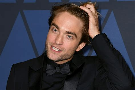 Robert Pattinson Says He Smells Like Crayons