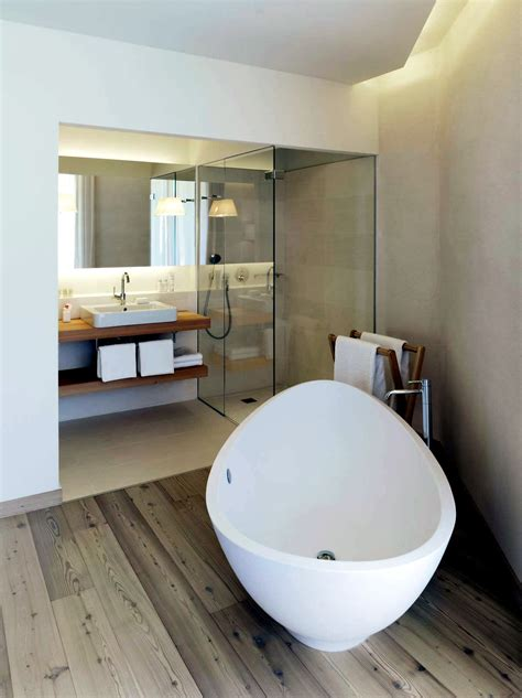 modern built  bath tub  space saving design interior design ideas avsoorg
