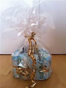 Geschenk Verpacken Folie : windelkuchen eine etage einer windeltorte verpacken ~ Orissabook.com Haus und Dekorationen