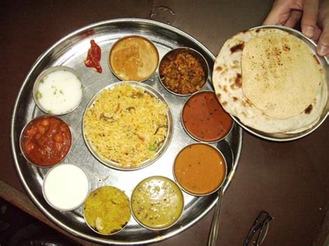 typische indische gerichte typische indische gerichte mumbai indische k che mumbai indische gew rze die sie in ihrem k