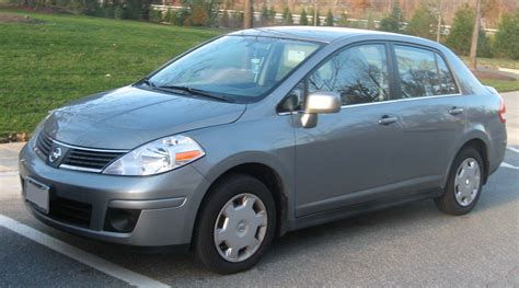 File:Nissan Versa sedan 1.jpg - Wikimedia Commons