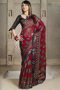 Tourist Attraction India: Indian Dress Saree for Women