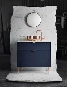 Bleu marine et si le bleu marine etait le nouveau noir for Meuble salle de bain bleu marine