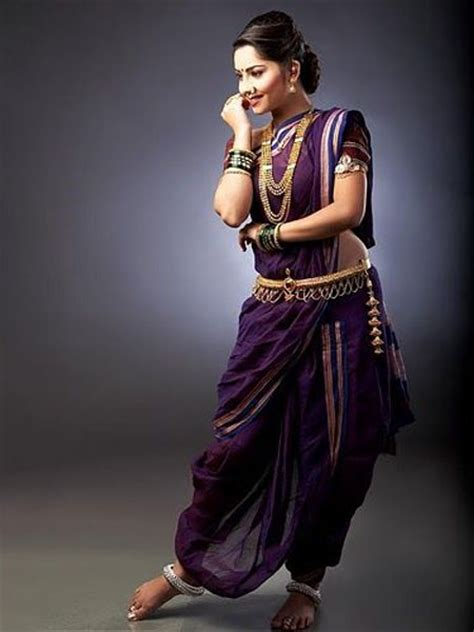 Saree Draping Styles Images - 18 traditional saree draping styles from different parts