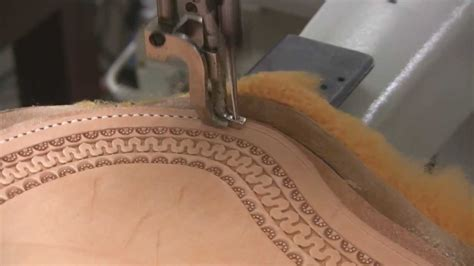 leather sewing machine  saddle making  stitching