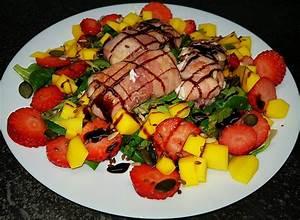 Salat Mit Ziegenkäse Und Honig : gebackener ziegenk se im speckmantel auf fruchtigem salat ~ Lizthompson.info Haus und Dekorationen