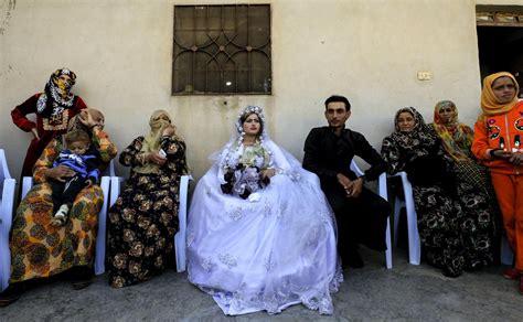 บ่าวสาวลั่นระฆังวิวาห์ครั้งแรกในซีเรีย หลังขับไล่