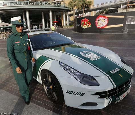 fastest police car dubai 39 s bugatti veyron is the fastest cop car in the world