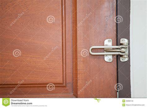 poignee de porte moderne poign 233 e de porte moderne de style