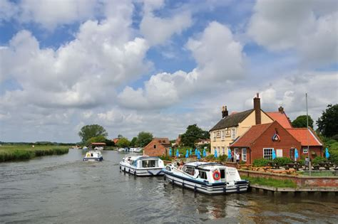 Ferry Boat Inn Quiz by River Bure Acle To Great Yarmouth Broadsnet
