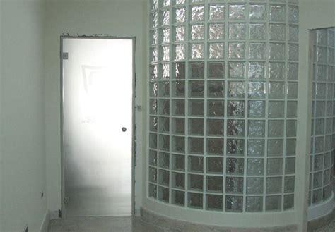 muri in vetro per interni pareti divisorie in vetrocemento pareti divisorie