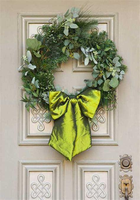 addobbi natalizi per porte porta d ingresso natalizia