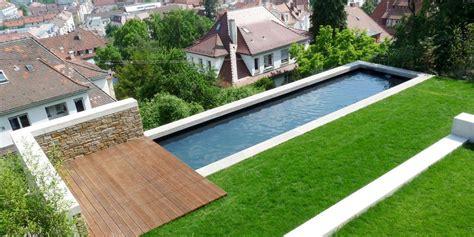 Pool Am Hang Bauen by Schmaler Pool Am Hang Haus Und Gartengestaltung In