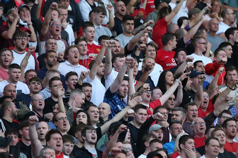 Why Liverpool and Manchester United supporters are the ...