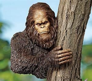 Bigfoot Tree Sculpture - The Green Head