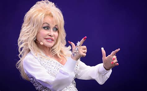 Holly dolly — dolly song (original mix). Singer Dolly Parton launches viral meme and celebs join in ...
