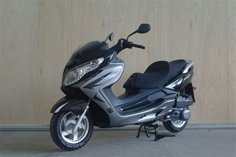 China Riya (250cc Gas Scooter / Motorcycle / Motorbike