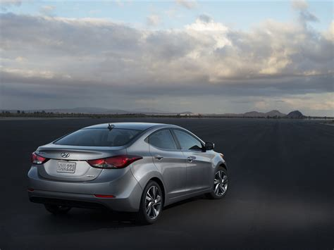 Hyundai Elantra Sedan 2018 Exotic Car Wallpapers 02 Of