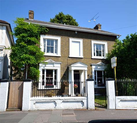 4 bedroom detached house for sale in darnley road gravesend da11