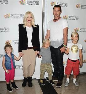 Gwen Stefani and Gavin Rossdale held the children's hands ...
