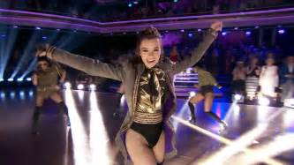 Hailee Steinfeld  Performs At Dancing With The Stars
