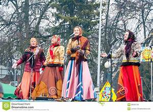 The Group Of Women Wearing Traditional Russian Clothers ...