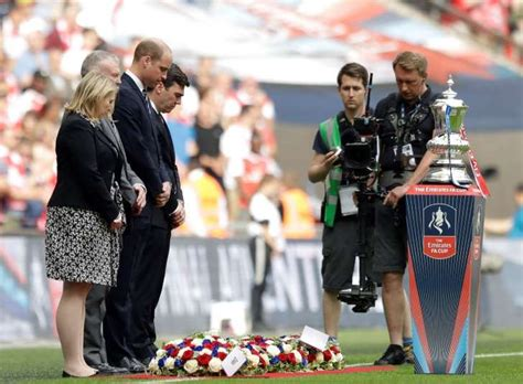 Prince William leads FA Cup final tribute to Manchester ...