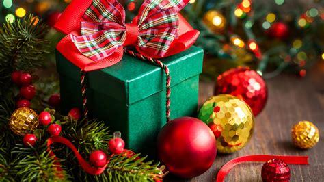 wallpaper christmas  year gift box balls fir tree