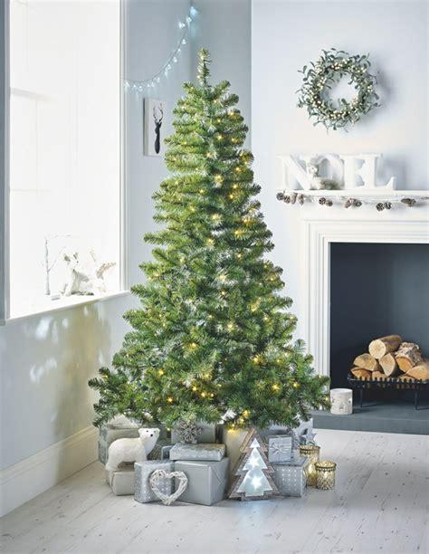 weihnachtsbaeume dekorieren und pflegen