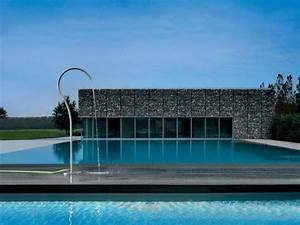 Douche Extérieure Pour Piscine : dix douches d 39 ext rieur pour agr menter votre piscine ~ Edinachiropracticcenter.com Idées de Décoration