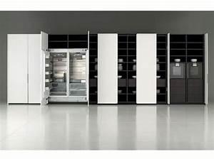 Porte De Placard De Cuisine : une cuisine cach e dans un placard elle d coration ~ Teatrodelosmanantiales.com Idées de Décoration