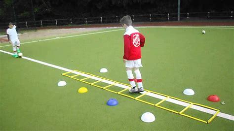 ✔ spiele, ergebnisse & tabellen ➤ ran fußball live und aktuell. Fussball Training für Kinder - YouTube