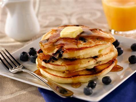 cuisiner c鑵es pancakes aux myrtilles cuisiner c 39 est facile