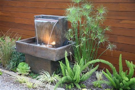 Water Fountains For Small Backyards by Water Fountains For Small Backyards Design Ideas