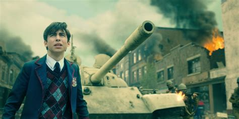 'The Umbrella Academy' Boss Previews Life in the '60s for ...