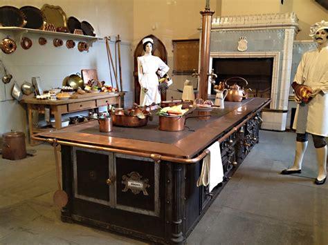 cuisine chateau vaisselle et cuisines des châteaux de louis 2 de bavière