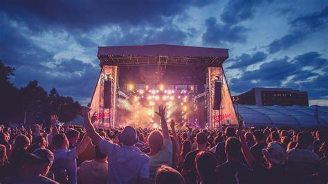 The 29 Biggest Concerts And Music Fests In Philadelphia In