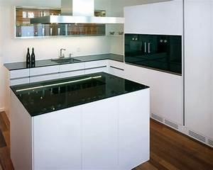 Moderne Küchen Für Kleine Räume : moderne k chen f r kleine r ume haus ideen ~ Frokenaadalensverden.com Haus und Dekorationen