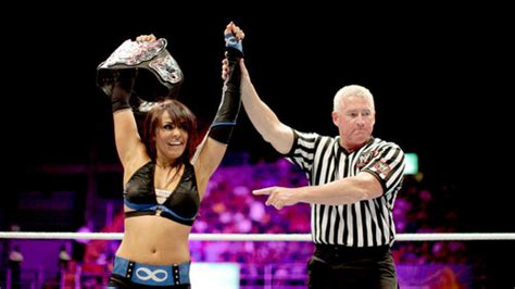layla wwe layla photo  fanpop