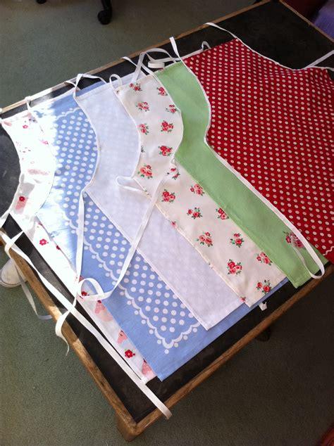 diy tutorial tea towel aprons