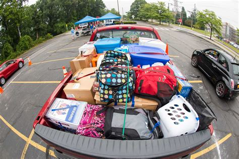 Move-In Day 2013 :: Homepage photos :: University of Rochester
