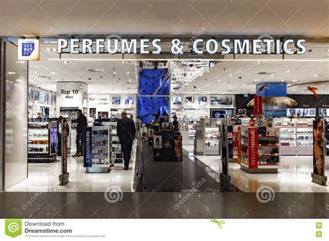 perfumes  cosmetics duty  shopping editorial