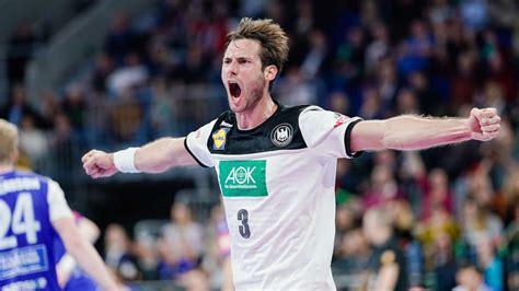 In der siebten minute stand es 4 : DHB-Team überzeugt in Mannheim: Testspiel-Sieg gegen ...