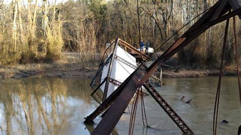 wheeler falls  river  bridge collapses driver