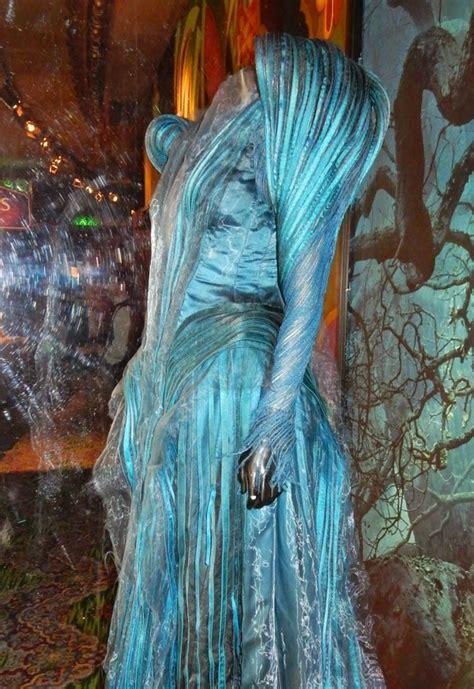 hollywood  costumes  props meryl streeps good