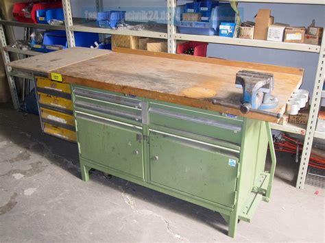 werkbank mit schraubstock geniale werkbank aus metallbaubetrieb auf rollwagen mit