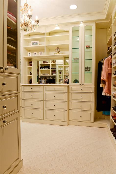 designers to tell how to do a high end closets on a