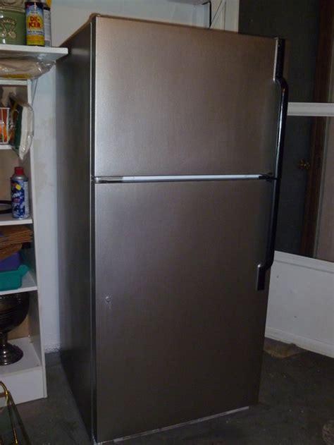 paint  white fridge      stainless steel