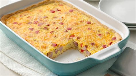 egg bake casserole recipe ham and egg crescent bake recipe from pillsbury com
