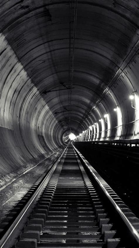 paris graffiti urban metro subway abandoned tracks